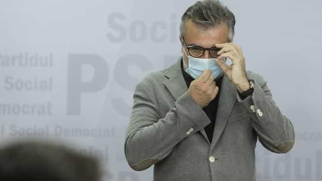 Lucian Romașcanu i-a înjurat pe ziariștii prezenți la sediul PSD, fără să știe că e filmat. Liderul politic a fost suspendat din funcția de purtător de cuvânt. Video