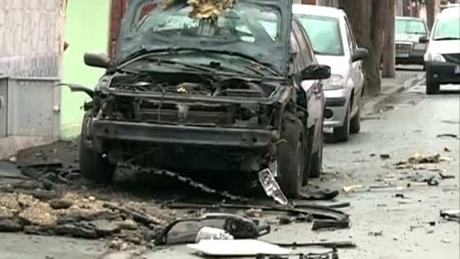 EXPLOZIE în Bucureşti. O maşină a fost avariată
