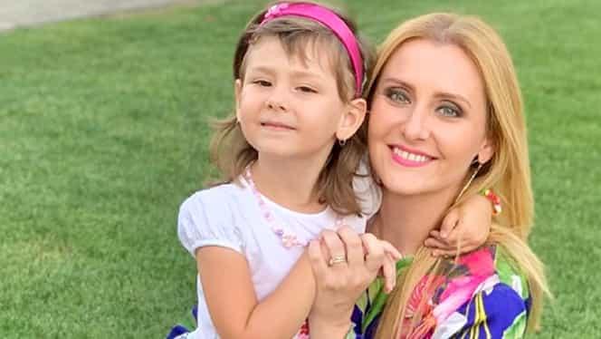 Cât de frumoase sunt fetițele Alinei Sorescu! Una dintre ele a mers azi pentru prima oară la școală – Foto