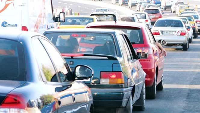 Atenţie, şoferi: Traficul spre munte este iar aglomerat