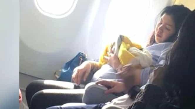 O fetiţă născută în avion a primit cadou călătorii gratis toată viaţa