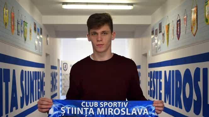 Ştefan Târnovanu, fotbalistul care i-a furat banii colegului de la România U19, dat afară de la Iaşi