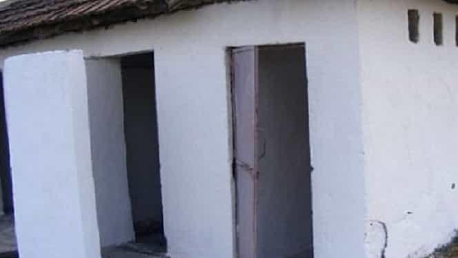 Școlile din Suceava, în continuare fără toaletă. Câte dintre ele au accesat bani să scape de wc-ul din curte