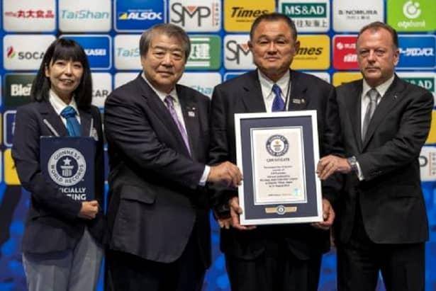 """Marius Vizer se bucură de un mare respect din partea """"părinților"""" judo-ului, japonezii, fiind onorat la toate ceremoniile din cadrul CM de judo de la Tokyo , din luna august a acestui an"""