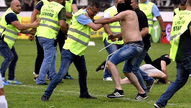 Scene incredibile după Carmen – CSA Steaua 1-0! Fanii au invadat terenul şi s-au bătut cu jandarmii! Foto