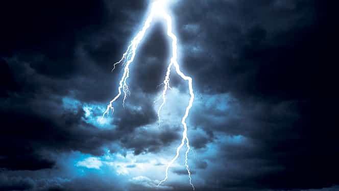 Avertizare nowcasting. Cod galben de furtună pentru mai multe judeţe