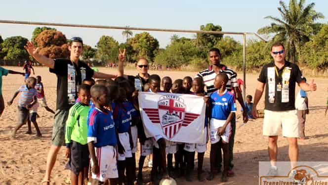 Imagini impresionante! Fanii celor de la CFR au dus un tir de alimente în Africa!