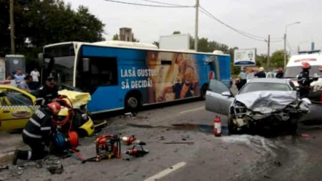 Accident grav în București, cu un autobuz STB. Un om a murit, alți doi au fost răniți