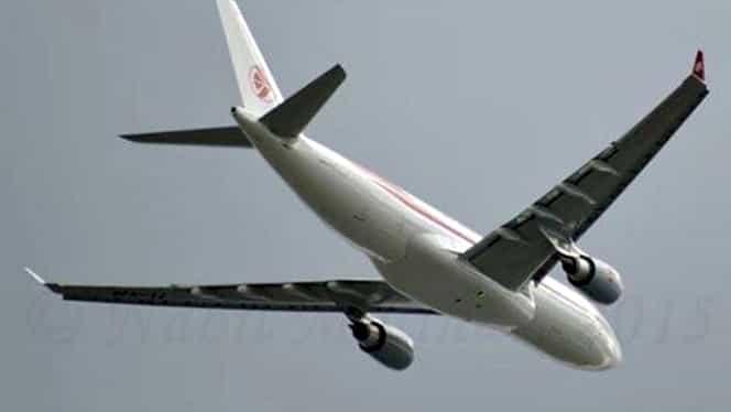 UPDATE. Avionul dispărut de pe radar s-a întors în Alger. Aparatul a înregistrat probleme tehnice