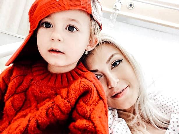 Andreea Bălan a fost operată din nou de urgență. S-a trezit într-o baltă de sânge după complicațiile suferite la naștere