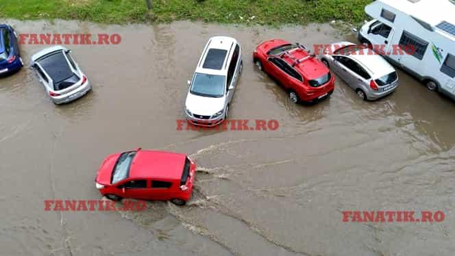 Inundații în București și județul Ilfov, după ploaia torențială! Mașini blocate de apă. GALERIE FOTO + VIDEO