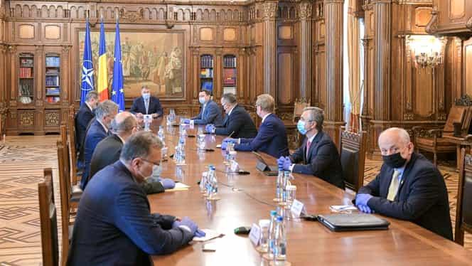 """Klaus Iohannis a vorbit despre măsurile pentru repornirea economiei: """"Este primul pas după ieşirea din starea de urgenţă!"""" Când se deschid restaurantele"""