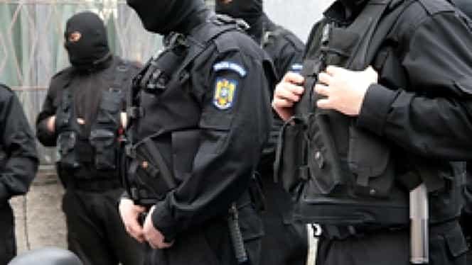 Traficanţi de droguri, reţinuţi de poliţişti pe litoral