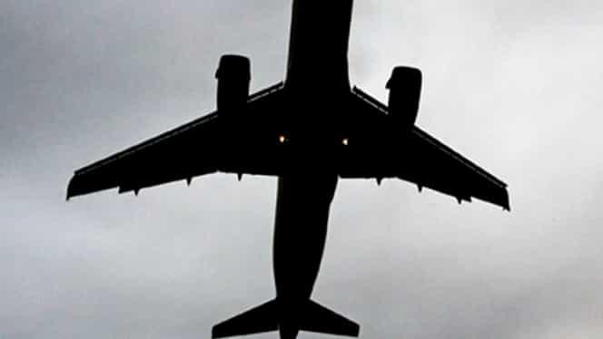 Avion de pasageri, aterizare de urgenţă, din cauza unui INCENDIU