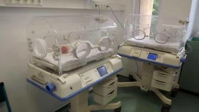 Un bebeluş a murit la spitalul din Piatra Neamţ. Părinţii acuză medicii că vor să muşamalizeze totul