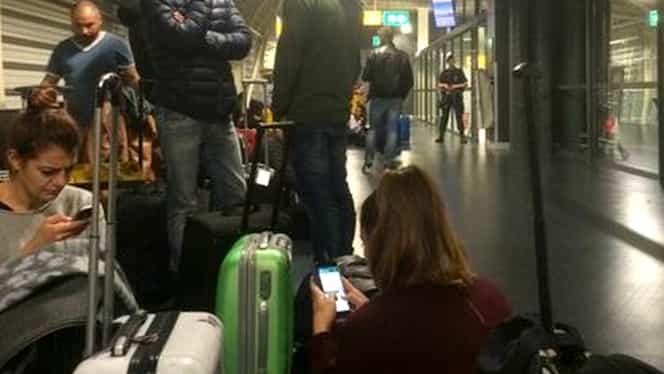 Aeroport blocat şi avioane ţinute la sol din cauza unui iPhone