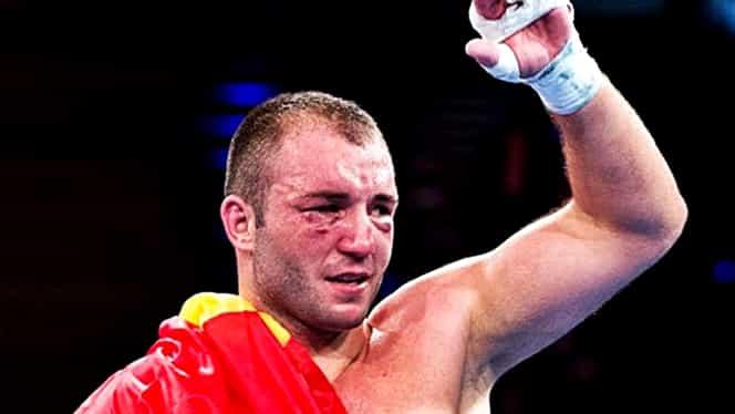 Cel mai bun pugilist român trece la profesioniști! A semnat cu firma lui Oscar de la Hoya
