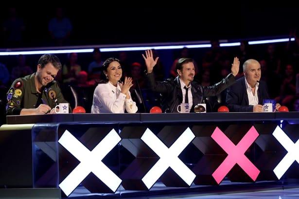 Ce salarii au cei din staff-ul emisiunii Românii au Talent. Cu cât îi plătește Pro TV pe cei care nu apar la TV!