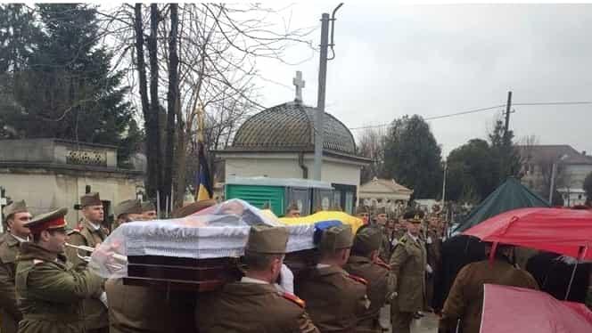 Ion Voinescu a fost condus pe ultimul drum. Coroane de flori de la CSA şi FCSB