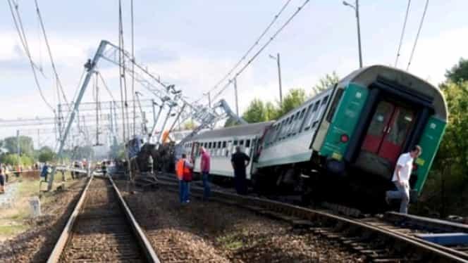 Accident la periferia de nord a Atenei. Opt persoane au fost rănite în urma deraierii unui tren electric
