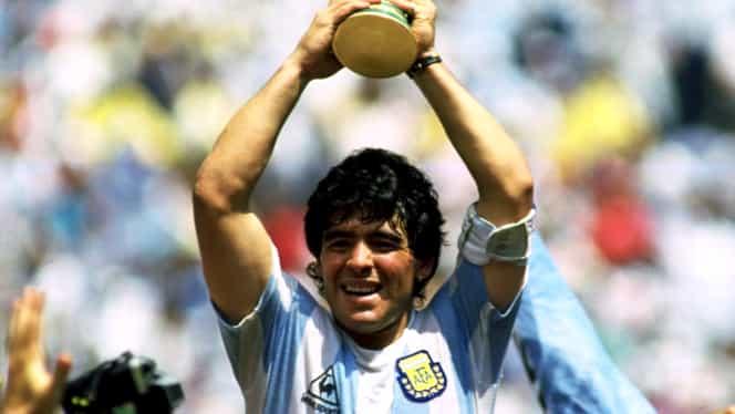 Video+Foto. Maradona, şocat de cum arată noua lui statuie. Englezii au crezut că îl văd pe Hodgson
