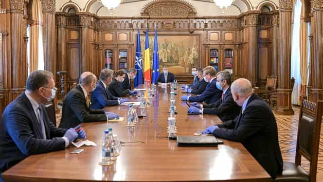 Klaus Iohannis, ședință la Palatul Cotroceni cu premierul Orban și mai mulți miniștri. Se discută măsuri de gestionare a epidemiei COVID-19