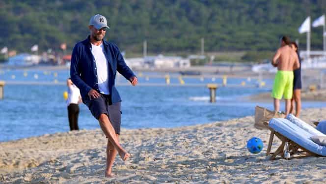 După muncă, și răsplată. Jurgen Klopp se destinde pe plajă la Saint Tropez. Galerie foto