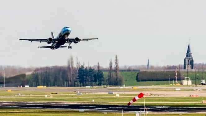 Două avioane au evitat la limită o coliziune pe pista aeroportului din Bruxelles