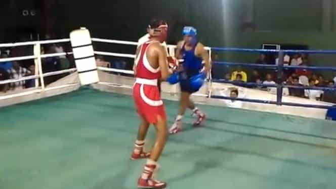 Meci de box încheiat de un dublu knockout, după doar un minut. Video