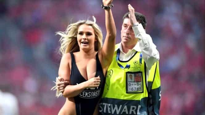 Cine e fata care a intrat pe teren în timpul finalei. Pozele cu ea au înnebunit Internetul. Galerie Foto