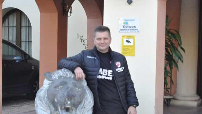 """Dusan Uhrin, interviu pentru FANATIK: """"Gigi Becali trebuie respectat pentru ce face la FCSB!"""" + """"Vreau 5 jucători la Dinamo"""" EXCLUSIV"""