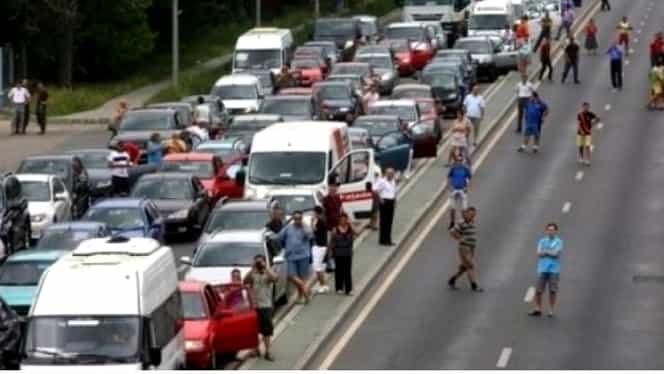 Accident în lanţ pe A2: Trafic de coşmar spre Litoral