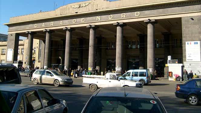 Ce văd turiștii străini după ce coboară din trenul Otopeni – Gara de Nord: aurolaci, boschetăreală, mafia taxiurilor și nici măcar un indicator