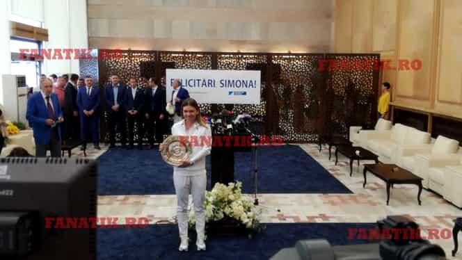 Reportaj de la primirea de gală a Simonei Halep de pe Aeroportul Otopeni. Cum a fentat cele mai grele întrebări și plecarea de rockstar. GALERIE FOTO