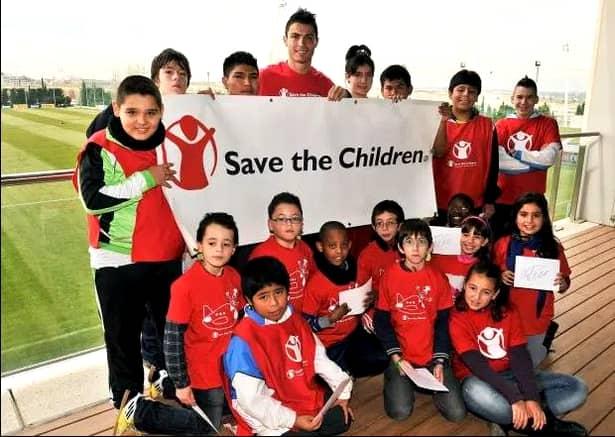 Cei mai generoşi fotbalişti din lume! Ronaldo, Messi, Mane şi fotbalistul din Premier League care donează 10% din salariu
