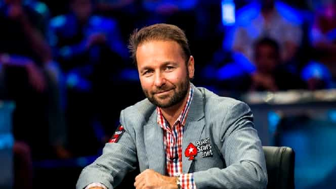 """Daniel Negreanu te învaţă cum să joci poker! """"Kid poker"""", interviu spectaculos în revista FANATIK din ianuarie!"""
