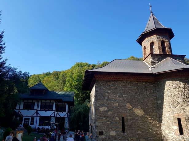 Reportaj FANATIK la Prislop, locul unde Gigi Becali va finanţa un nou proiect de proporţii. Face o biserică pentru Arsenie Boca. Primele declaraţii ale patronului de la FCSB. EXCLUSIV