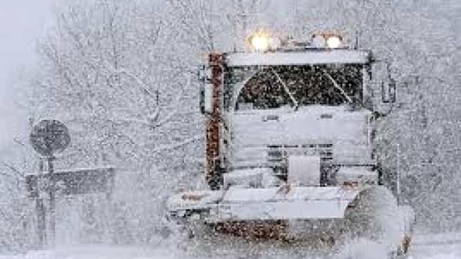 Autorităţile, în alertă din cauza condiţiilor meteo. Restricţii în trafic pe perioada Codului galben de ninsori