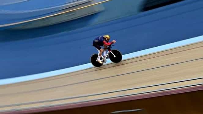 VIDEO / Sir Bradley! Wiggins a SPULBERAT recordul orei şi a stabilit o bornă greu de egalat