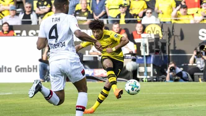 Dublă premieră reuşită de un puşti de 18 ani de la Borussia Dortmund. Video
