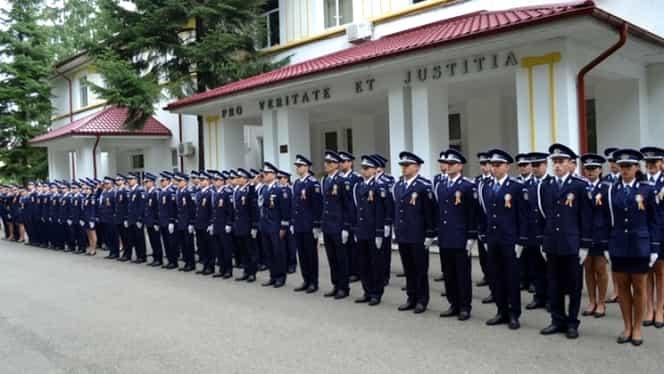 Elevi de la Școala de Poliție din Câmpina, prinși cu 70 de pliculețe de droguri. Prafurile interzise, găsite în camerele din cămin