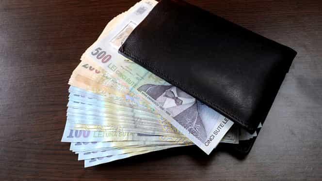 Crește salariul minim pe economie în România. Care e procentul și când se aplică măsura