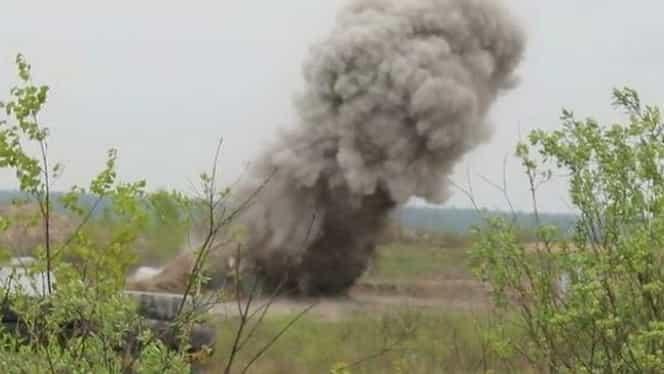 Explozie într-o cazarmă din Ucraina. Un oficial NATO, printre cele trei persoane decedate