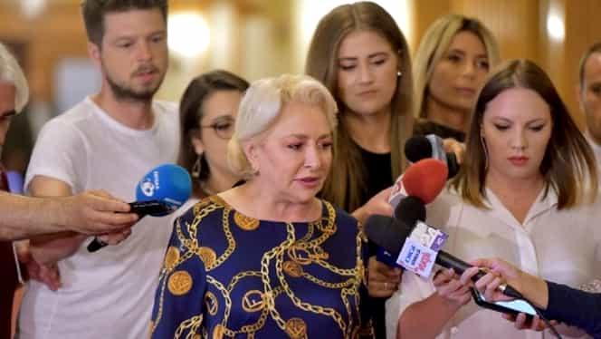 """Viorica Dăncilă, ținută criticată pe internet: """"Ai plecat în pijama"""". Cu ce s-a îmbrăcat premierul"""