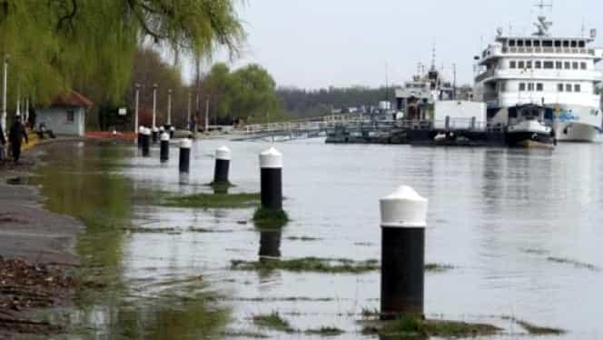 Cod portocaliu de inundaţii pe Dunare. Brăila, Galaţi şi Constanţa sunt în ALERTĂ dupa ce mai multe zone au fost inundate