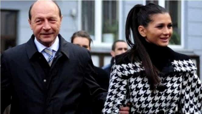 Elena Băsescu s-a angajat la stat: a ajuns consilier în Parlament. Salariul generos primit de fiica fostului preşedinte