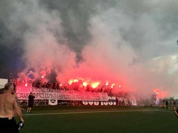 Peluza Sud 97 şi FCU au sărbătorit promovarea în Liga 3 pe stadionul Aripile din Bănie