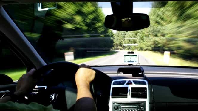 Proiect de lege: Șoferii cu permis categoria B ar putea conduce și un anumit tip de motociclete