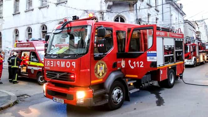 """Două incendii în miez de noapte în Capitală. Bucureștenii, speriați: """"Am crezut că sunt tunete"""""""