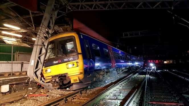 Accident feroviar în Londra. Un tren a deraiat dintr-un motiv incredibil